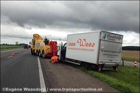 Vrachtwagens botsen op de A58 bij afslag Heinkenszand