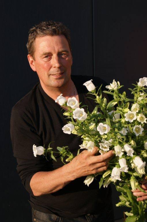 Bloemen voor het Kremlin en de Koning