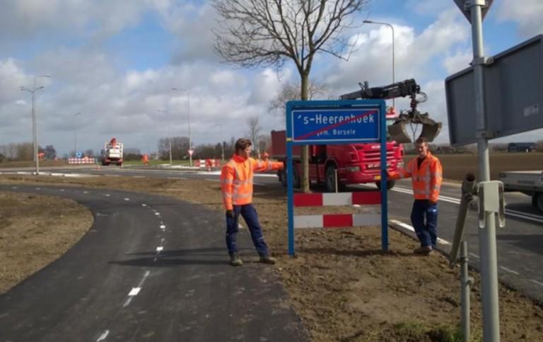 Heinkenszandseweg bij 's-Heerenhoek weer open met rotonde